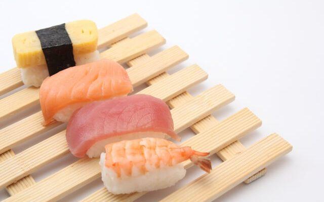 寿司を一貫、ニ貫と数えるように...